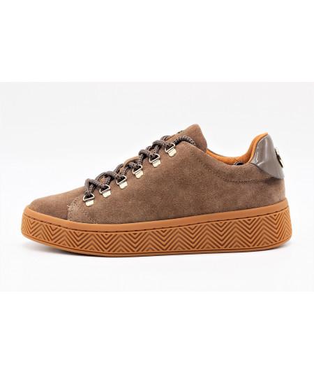 ginger sneaker