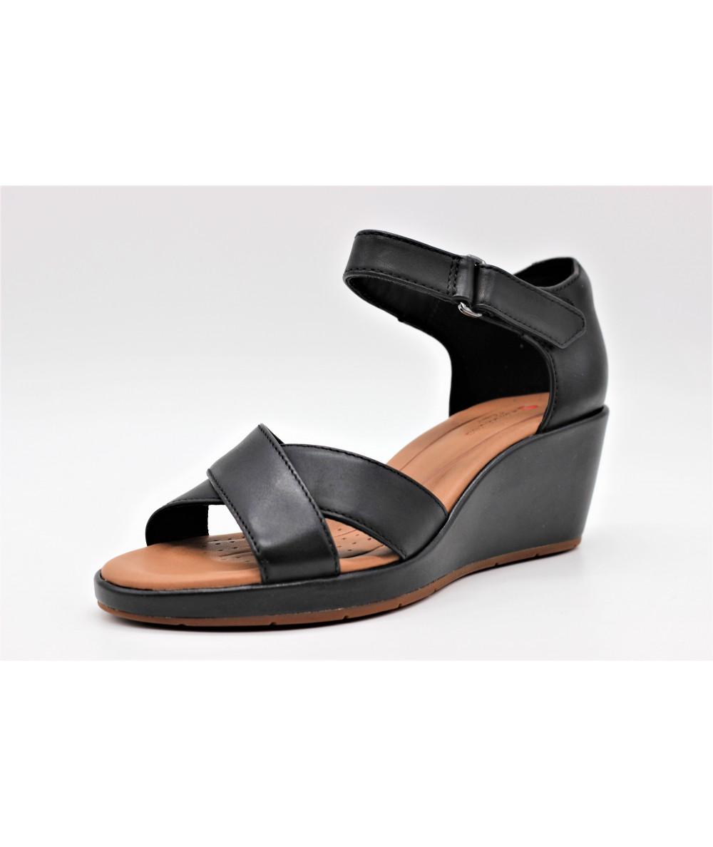 e54ecf533 CLARKS UN PLAZA CROSS sandale compensée en cuir noir